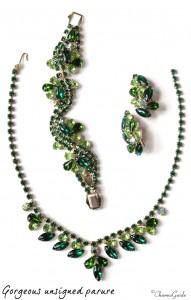 Buying jewelry online: Parure