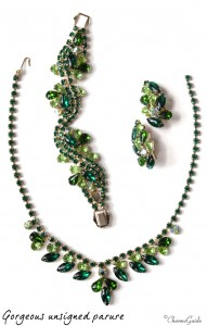 Buying jewelry online: Parure